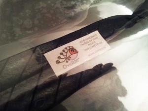 Bavoir-Cravate-Detail-Etiquette